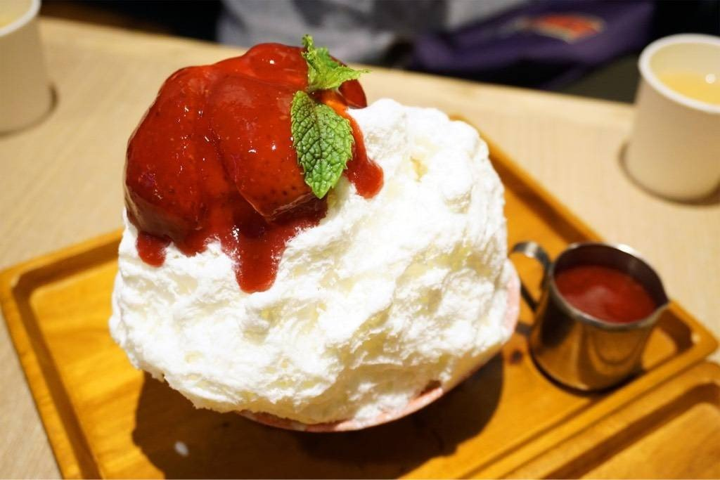Strawberry Cheesecake Kakigori (235฿)