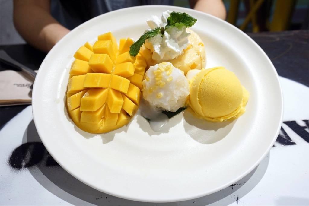 Mango Tango + Extra Sticky Rice (160฿)