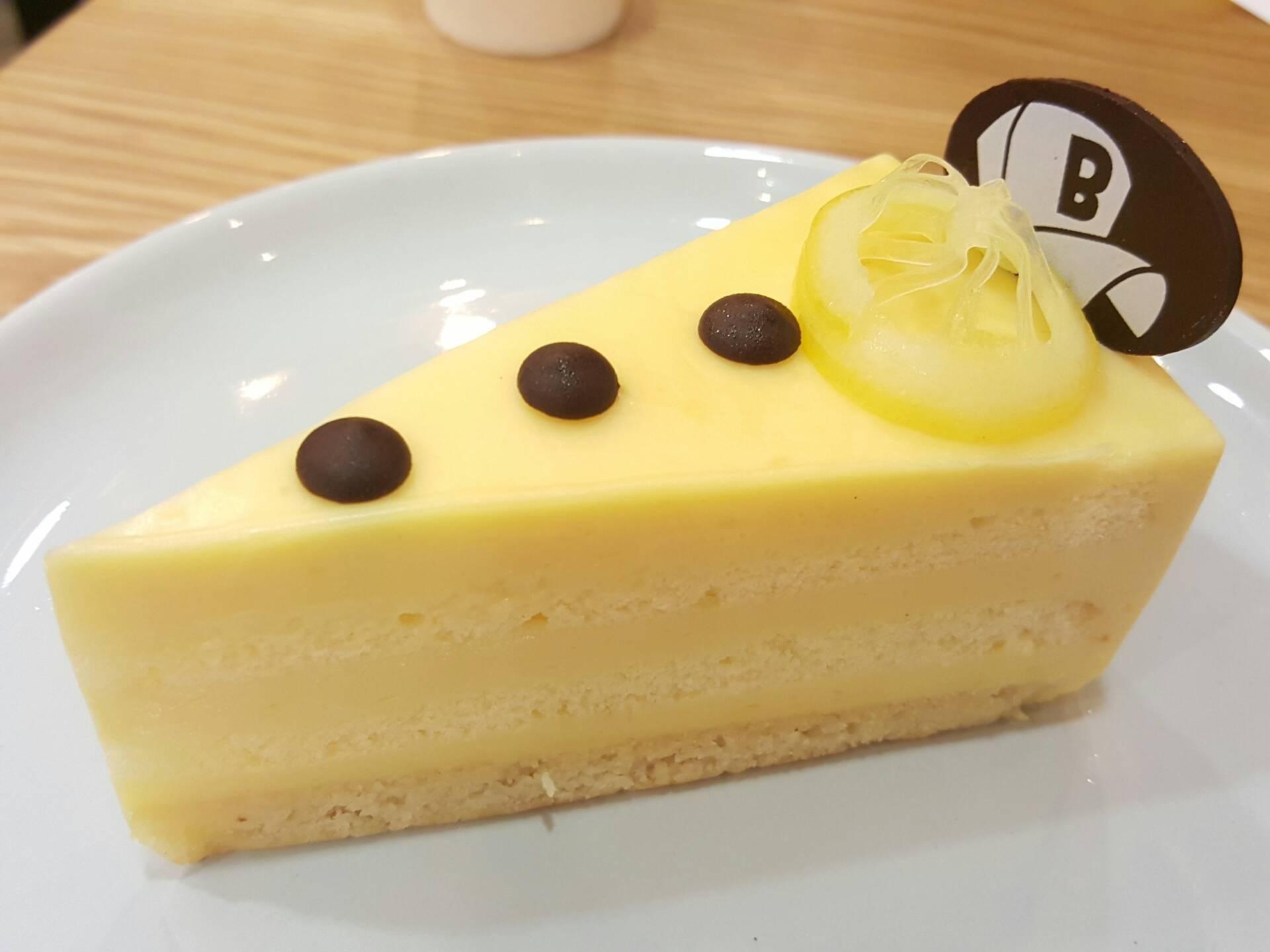 Lemon cake ดู layer และสีสันสวยดีเลยจ๊ะ