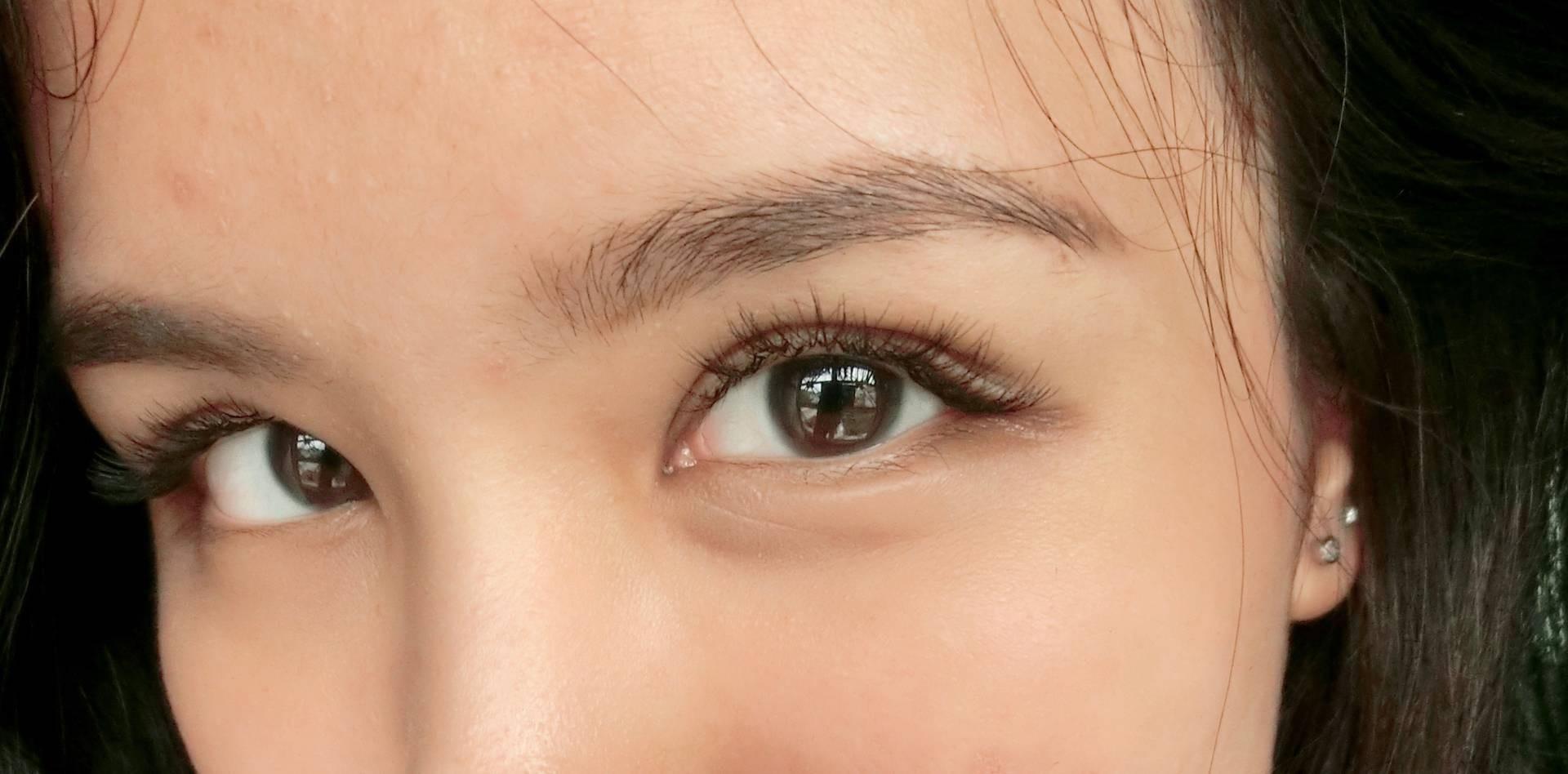 แบบ sexy style ขนตาช่วงหางตาจะยาวกว่าตรงหัวตาค่ะ