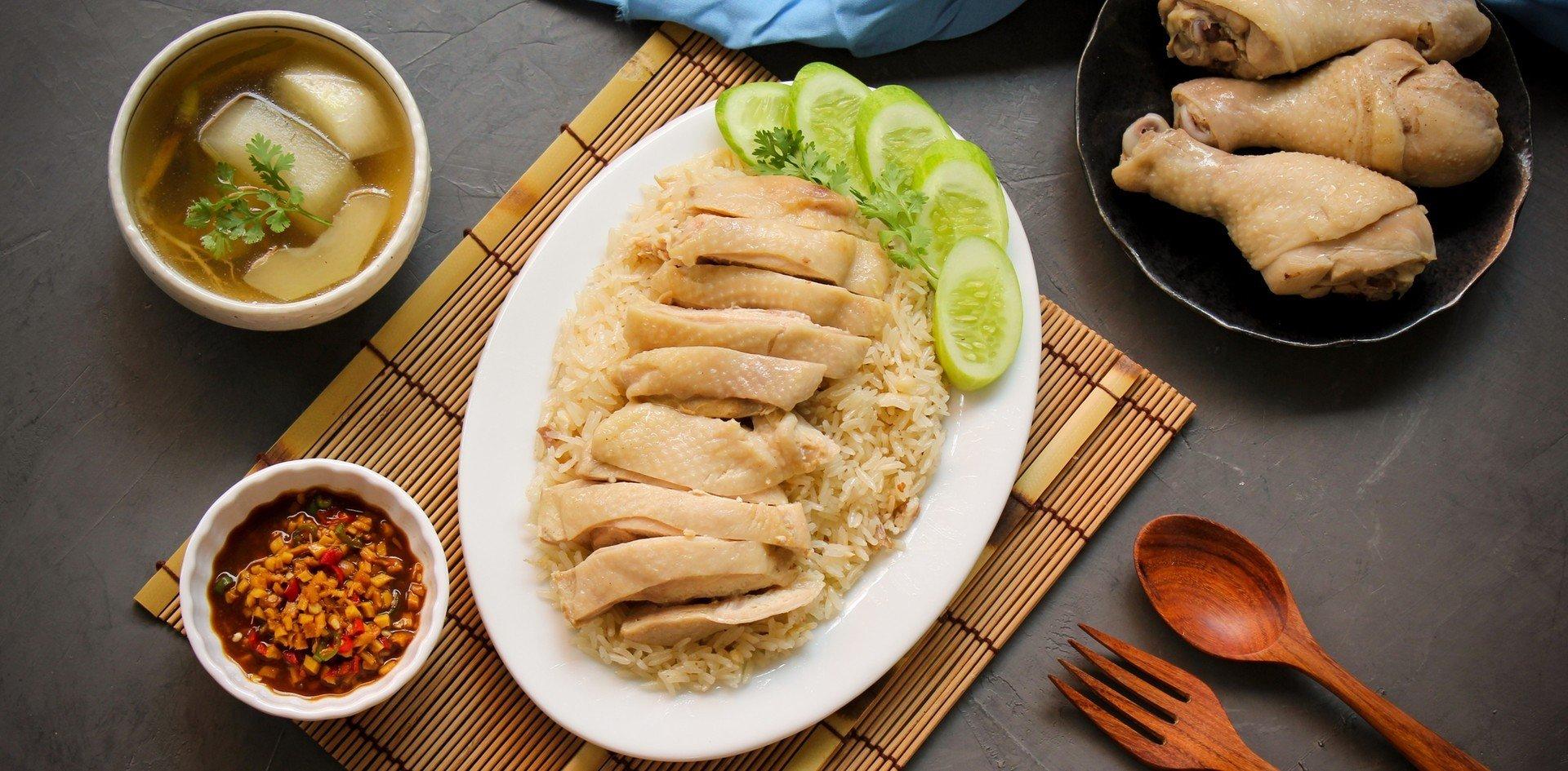 """วิธีทำ """"ข้าวมันไก่"""" พร้อมสูตรน้ำจิ้มรสเด็ด เปิดร้านขายกำไรงาม! - Wongnai"""