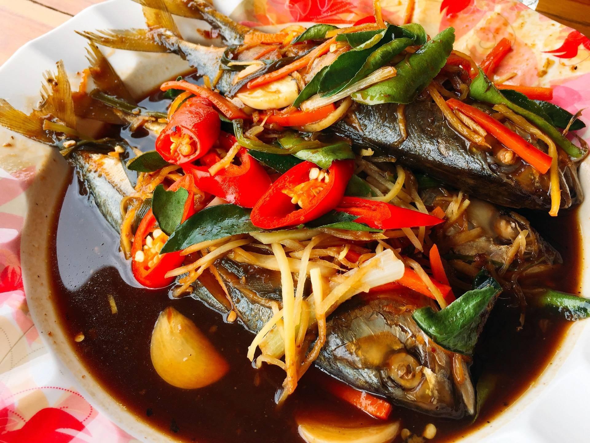 ปลาทูซาเตี๊ยะ จานนี้ห้ามพลาดค่ะ อร่อยมาก