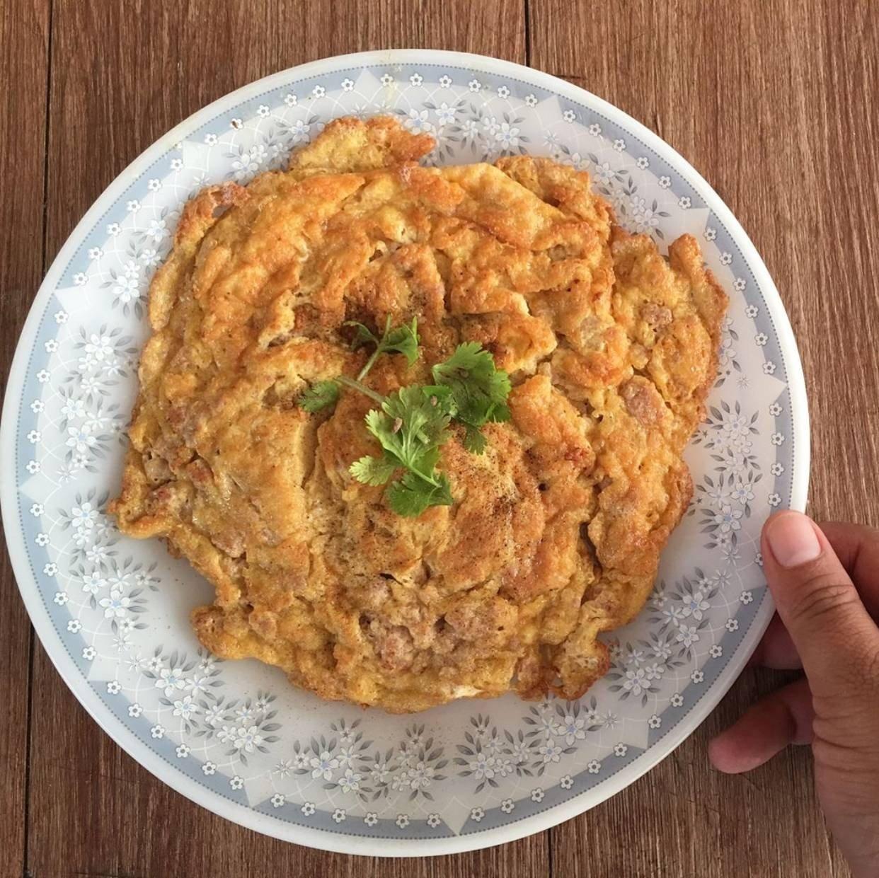สูตร ไข่เจียวหมูสับหน้ากรอบ พร้อมวิธีทำโดย Monki Nam - Wongnai Cooking
