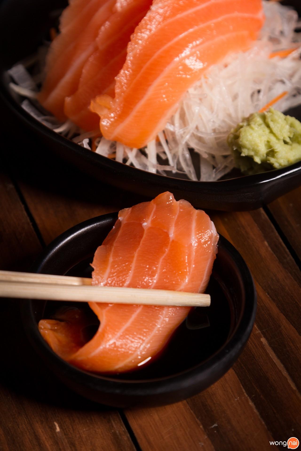 เมนู Salmon Sashimi ร้าน Kita Yakitori & Grilled Seafood เชียงใหม่