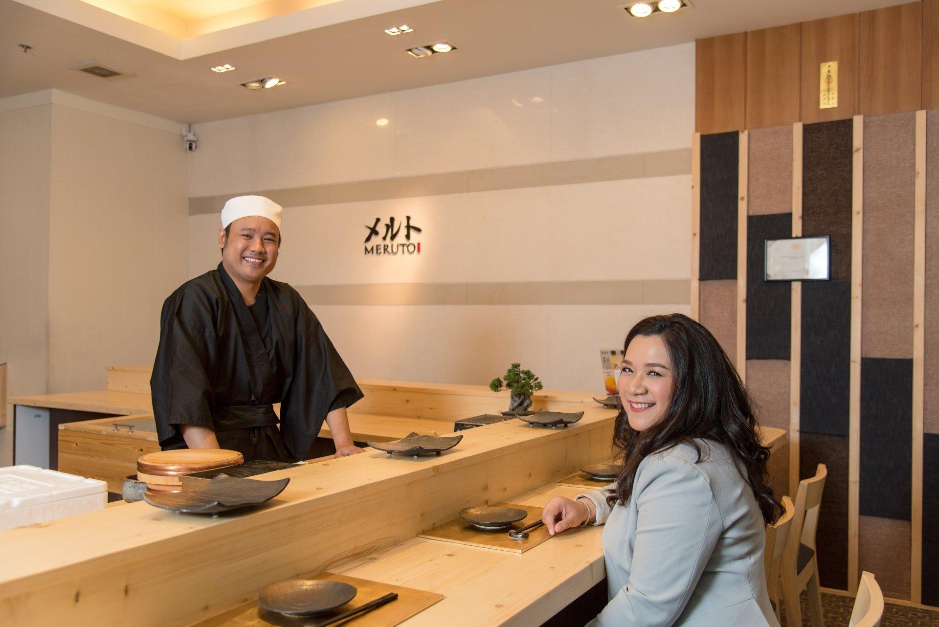 เชฟอาร์ม - กีรติ บุตดีวงษ์ และ คุณกี้ Founder and Owner of Meruto Sushi