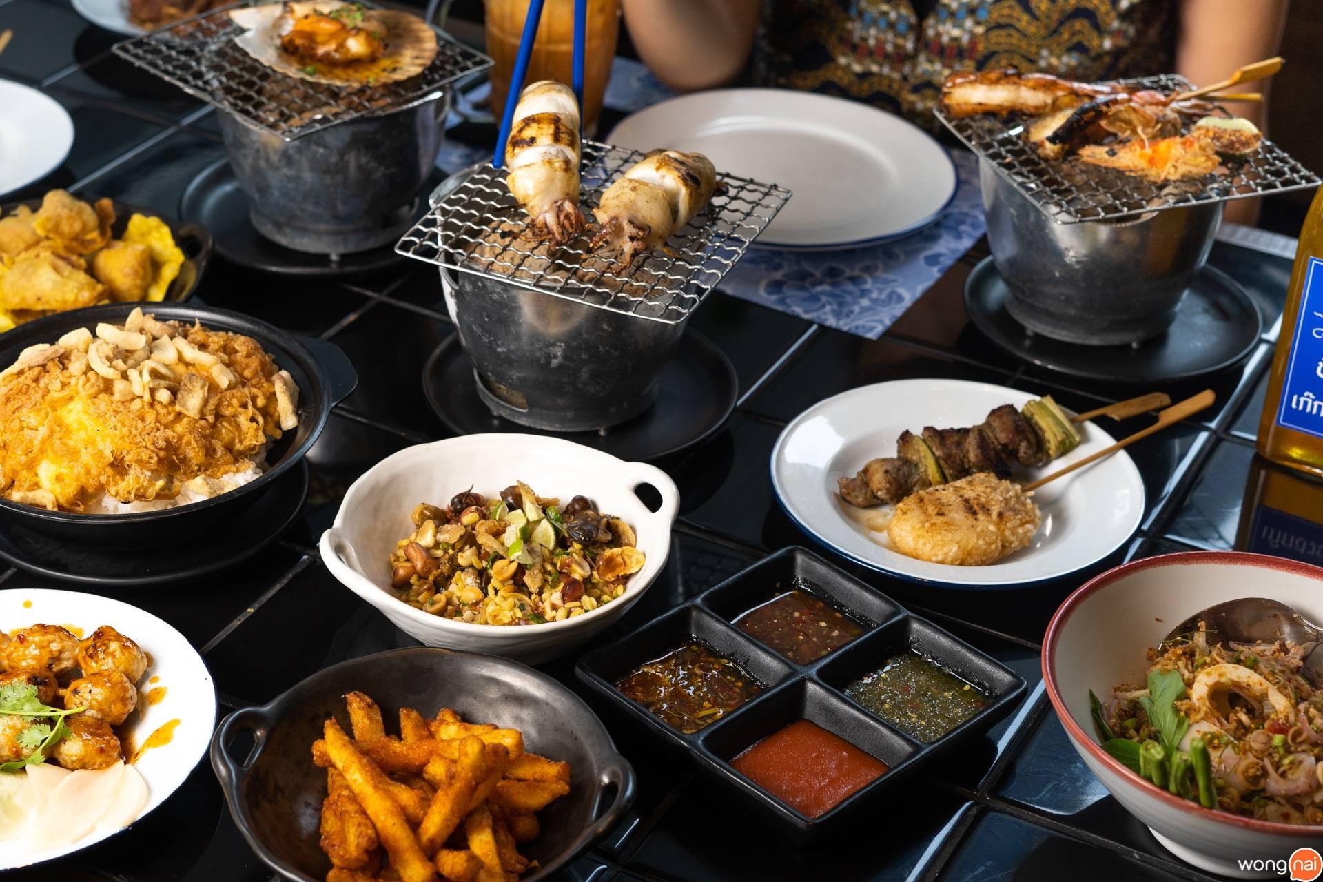 อาหารสตรีทฟู้ดของร้าน KINHEY by Greyhound Café