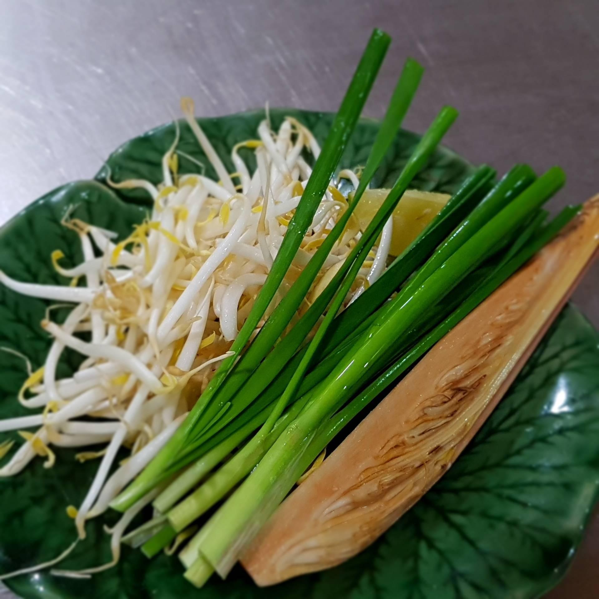 ร้าน ผัดไทยใบตอง (PHAT THAI BAI TONG)