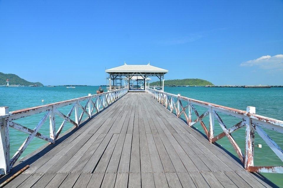 สถานที่ท่องเที่ยว ยอดนิยม ใน เกาะสีชัง