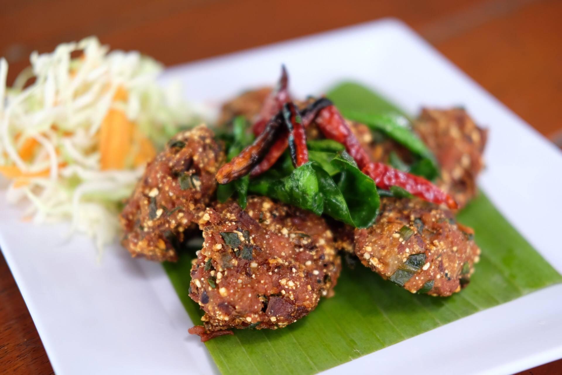 ค้นหาร้านอาหาร โรงแรม ที่พัก สถานที่ท่องเที่ยว ร้านเสริมสวยและสปา ใน สุพรรณบุรี