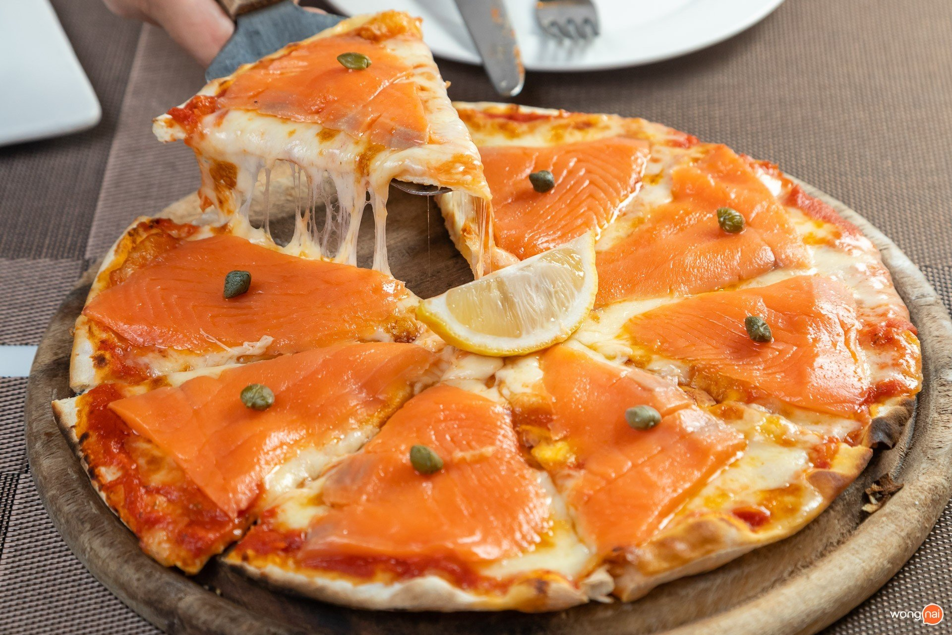 Smoke Salmon Pizza