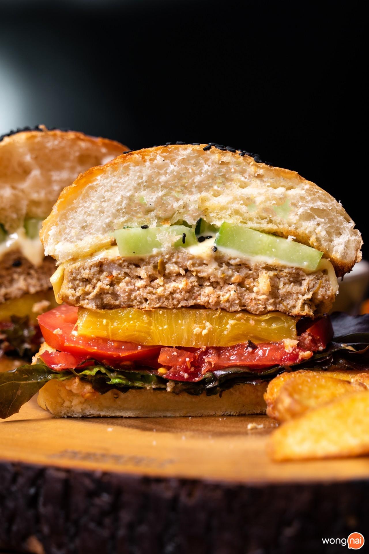Burgers & Springrolls  , ร้านอาหารฟิวชันเชียงใหม่