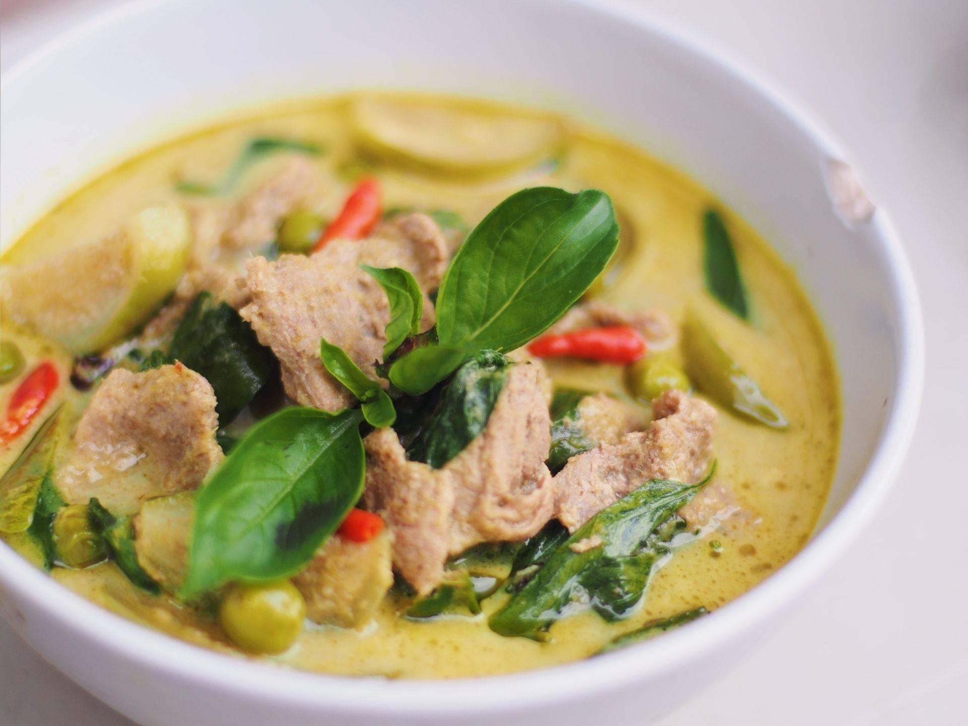 สูตร แกงเขียวหวานเนื้อพริกขี้หนู พร้อมวิธีทำโดย   -  Wongnai Cooking