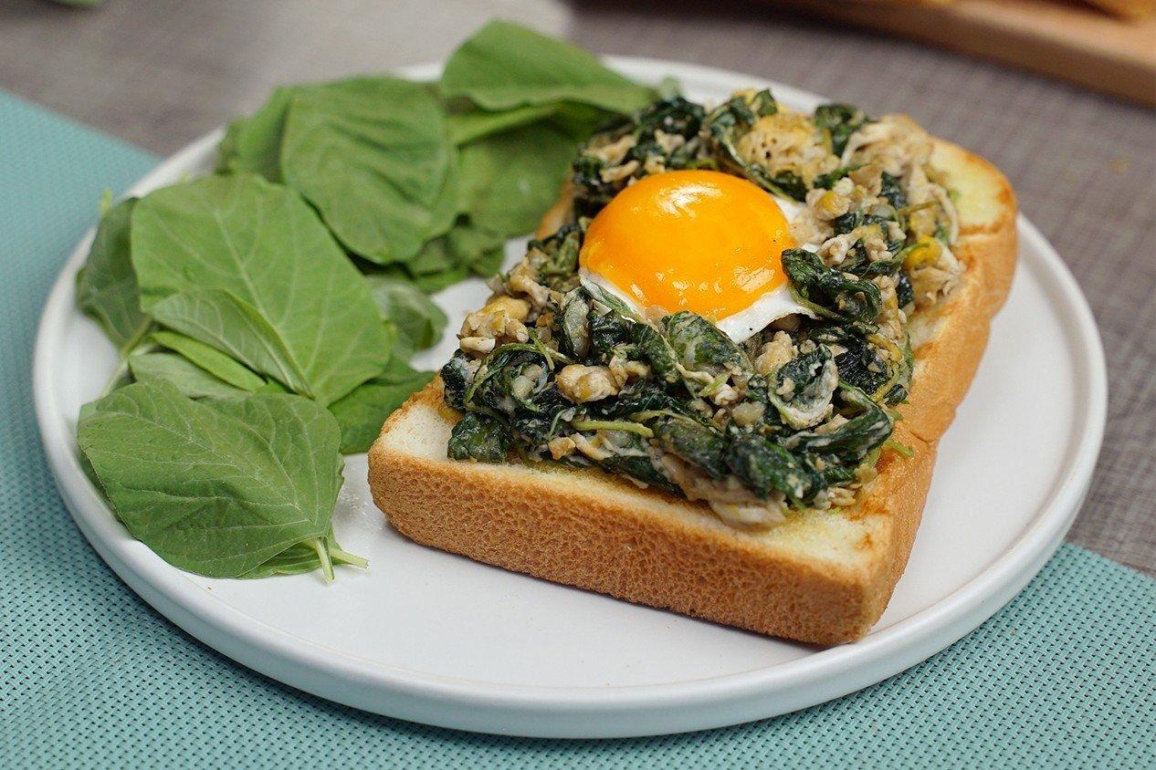 แซนด์วิชผักโขมผัดไข่