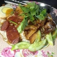 ชุนฮั้วบะหมี่เกี๊ยว (หน้าศาล ชลบุรี)
