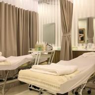Absolute Beauty Clinic ทองหล่อ