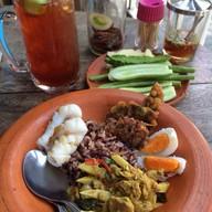 พริกหยวก Prik-Yuak Thai Cuisine