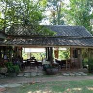 บรรยากาศ Donsak Orchid Resort (สวนกล้วยไม้ดอนสัก)