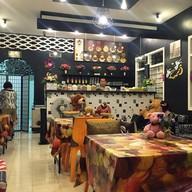 บรรยากาศ Midnigth Pangyen Phuket Dessert & Cafe ภูเก็ต