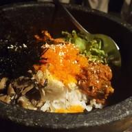 ข้าวยำเกาหลีหมู