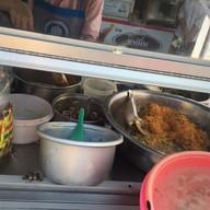 หน้าร้าน ข้าวมันแกงไก่ ตลาดกิมหยง