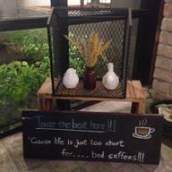 บรรยากาศ TRIPLE the coffee house สุขุมวิท