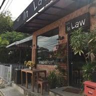 หน้าร้าน Cafe in Law