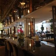 บรรยากาศ The Glaz Bar at The Athenee Hotel ดิ แอทธินี โฮเทล แบงค็อก