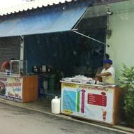 หน้าร้าน เฮียหนอข้าวหมูทอด เอกชัยซอย 2