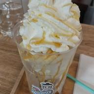 เมนูของร้าน ไอศกรีมต่อนยอน หน้าสามัคคีวิทยาคม