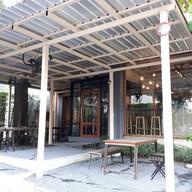 หน้าร้าน TRIPLE the coffee house สุขุมวิท