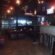 บรรยากาศ 80's Bar & Bistro พุทธบูชา36