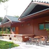 โรงแรมภูโอบน้ำใสคันทรีรีสอร์ท