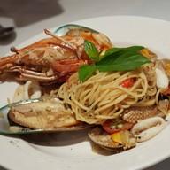 Seafood Spaghetti Spicy White Wine Sauce