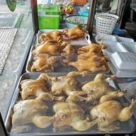 เมนูของร้าน ไก่ต้มน้ำปลา เจ๊แมว วิหารแดง