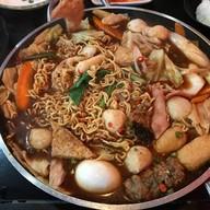 ชินดังดงต๊อกบกกิพรีเมี่ยม (Sindangdong Tteokbokki Premium)