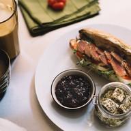 หน้าร้าน Submarine Sandwiches