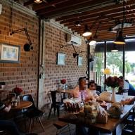 บรรยากาศ Home to Cafe' (โฮม ทู คาเฟ่)