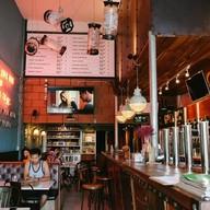 บรรยากาศ The Hopster Café Hat Yai
