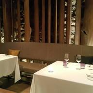 บรรยากาศ เทเบิ้ลกริลล์ Grand Hyatt Erawan Hotel