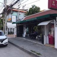 หน้าร้าน Wooden Door Cafe