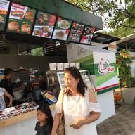 หน้าร้าน ก.ไก่อร่อย ปั๊มปตท ไชโย