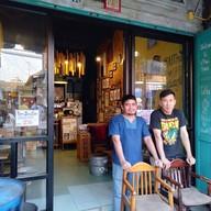หน้าร้าน Infinity Koffee  ตรอกโรงยา อุทัยธานี