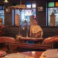 บรรยากาศ บ้านคุณแม่ Ban Khun Mae, Siam Square