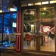 บรรยากาศ Cafe del mar บางแสน