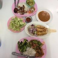 ครัวภูเก็ต ตลาดเมืองไทย-ภัทร เส้นรัชดา