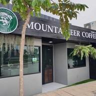 หน้าร้าน Mountaineer Coffee Roasters