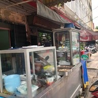หน้าร้าน ร้านวัดดวง-ก๋วยเตี๋ยวต้มยำ สี่แยกถนนตก พระราม3