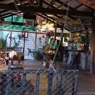 บ้านริมน้ำ  Gallery • Bistro • Beer บ้านโป่ง