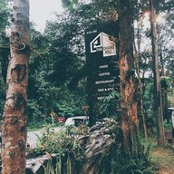 Thachang Hill Coffee & Cafe