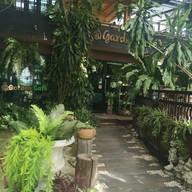 หน้าร้าน At Garden Cafe